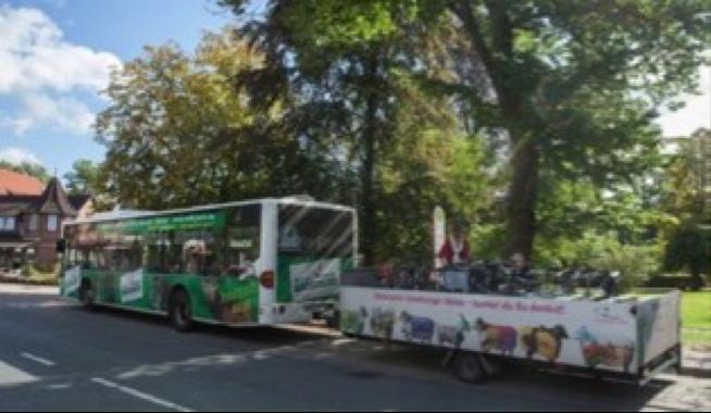 Heide-Shuttlebus mit Fahrradanhänger